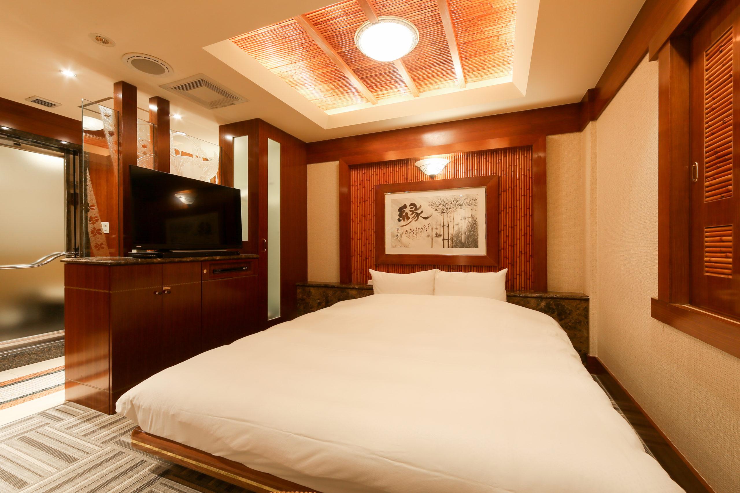ホテル縁<span>202号室</span>