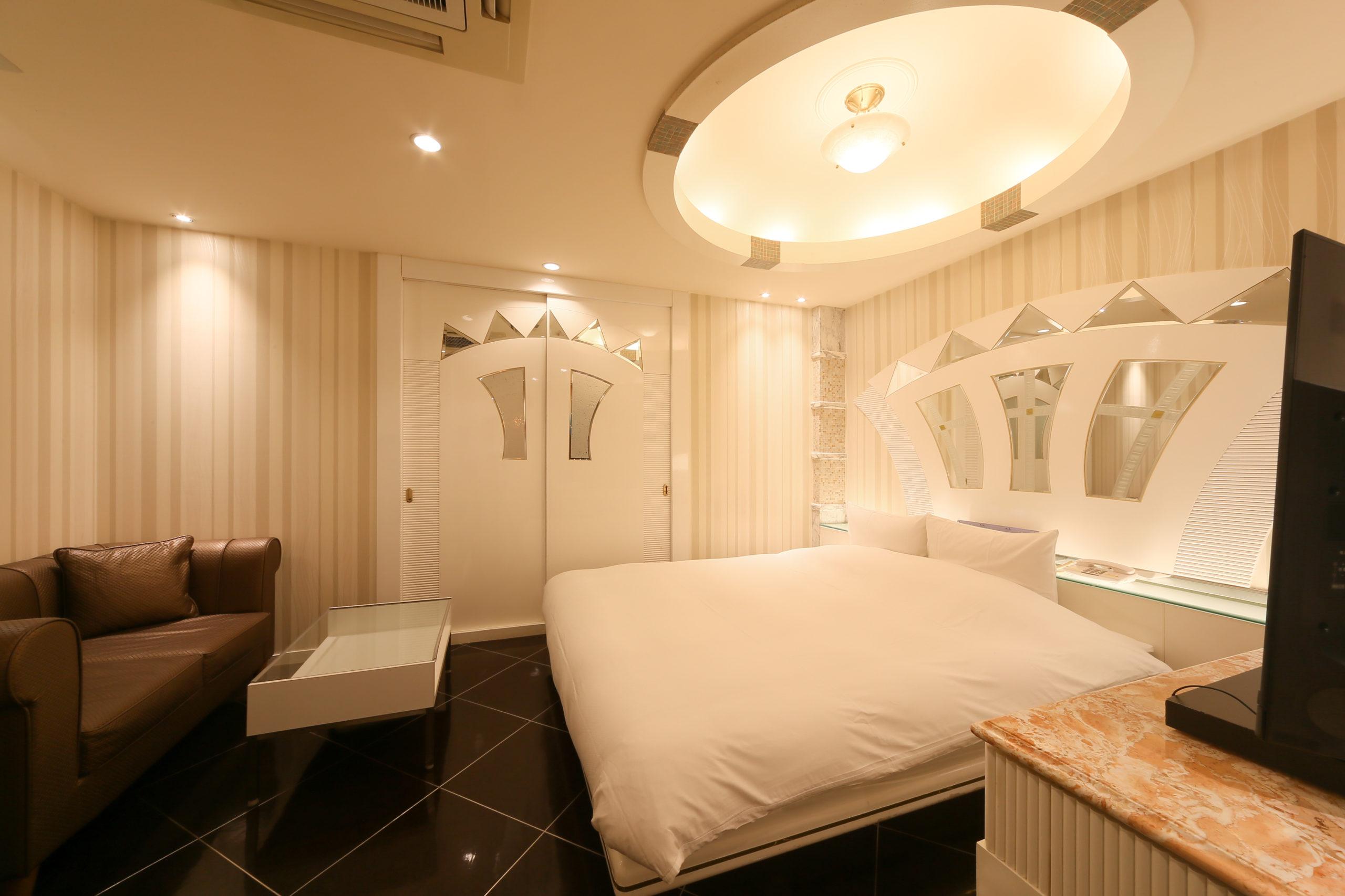 ホテル縁<span>213号室</span>